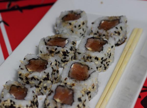 Sushi (hosomaki e uramaki)