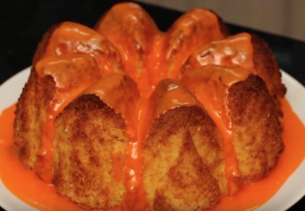 Bolo de laranja com casca e tudo