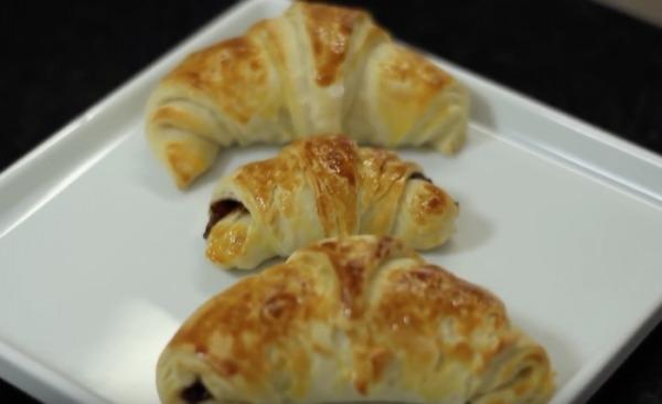 Croissant recheado com nutella