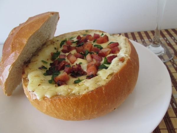 Purê de Batata com Bacon no Pão