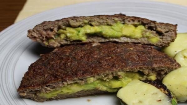 hamburguer recheado com abacate (low carb)