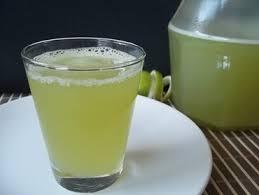 Suco de Limão Siciliano Com Capim Santo