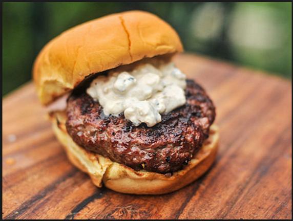 Blue Cheese Burguer (Burguer com Gorgonzola e Bacon)