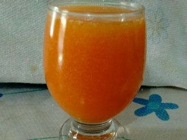 Suco de laranja com mamão