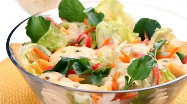 Salada Tropical ao Molho de Maracujá
