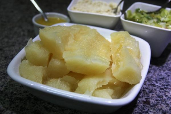Macaxeira cozida