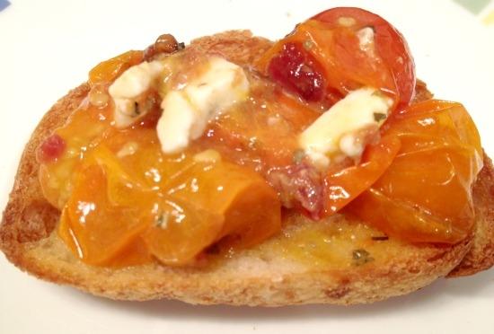 Bruschetta de Tomate Cereja com Gorgonzola