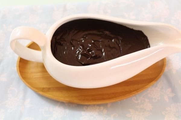 Calda de chocolate que endurece