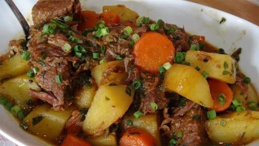 Costelinha com Cenoura e Batatas