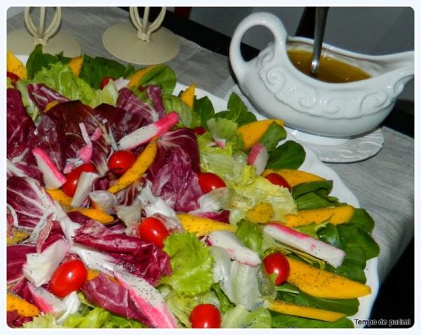Salada Agridoce com Kani Kama