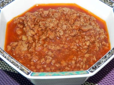 Molho de tomate com carne moida