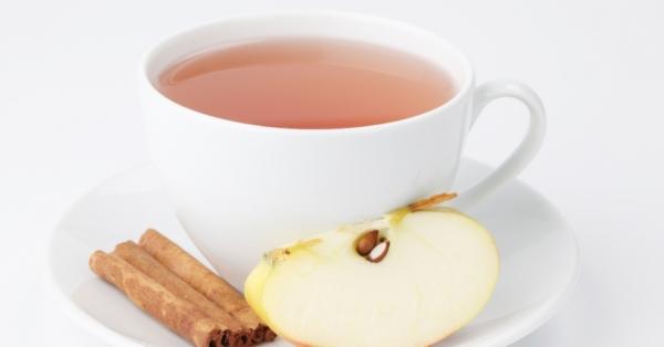 Chá de maçã e canela de microondas