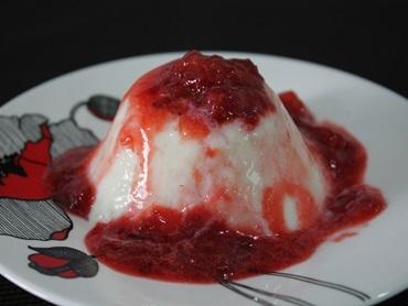 Pudim de Iogurte com Morango