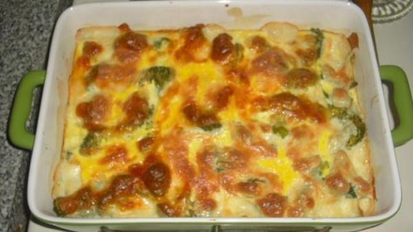 Brócolis com queijo gratinado