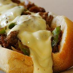 Philly Cheesesteak (Sanduiche de Bife e Queijo)