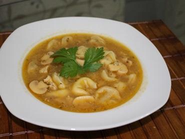 Sopa de capeletti (capeletti in brodo)