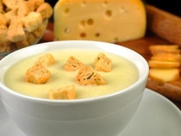 Sopa de Batata com 3 queijos