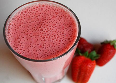 Vitamina cremosa de morango