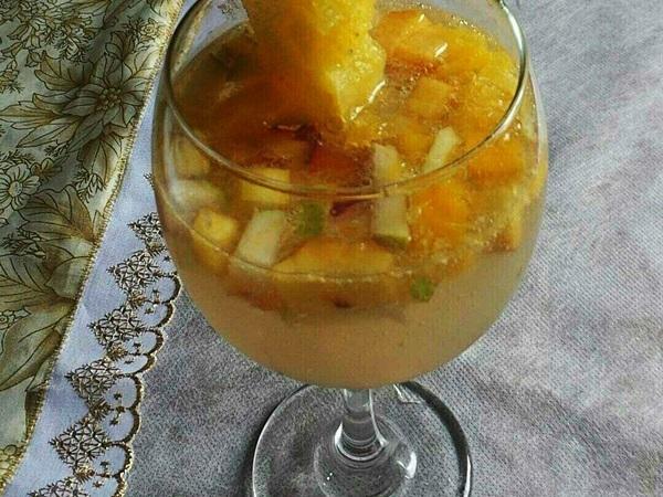 Ponche de frutas alcoólico