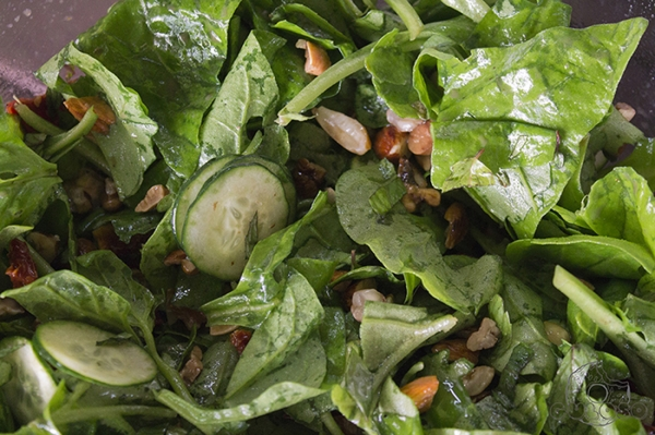 Salada de Espinafre ao Molho de Framboesa