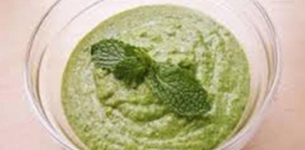 Molho de hortelã com cebola para saladas