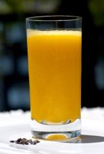 Suco de frutas com aveia