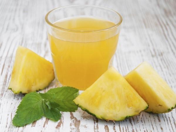 Chá de abacaxi com laranja