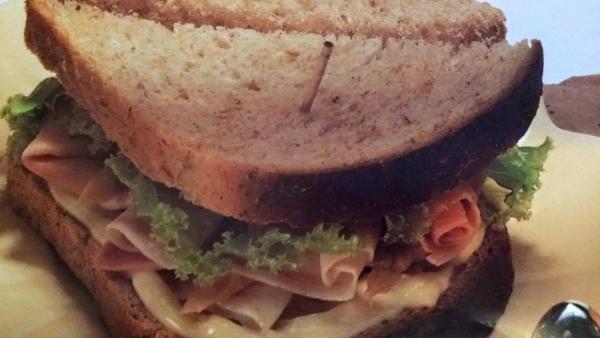 Sanduíche de Aspargo e Presunto