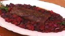 Filé mignon com molho de tomate seco e azeitonas