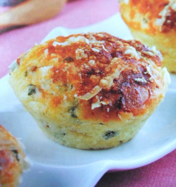 Muffin de Parmesão com Bacon