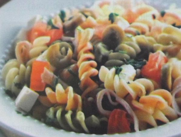 Salada Tricolor de Macarrão Parafuso