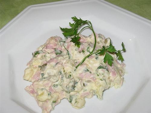 Salada de batatas com presunto