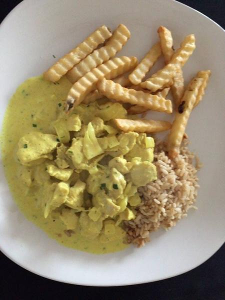 Frango ao molho de cream cheese e curry